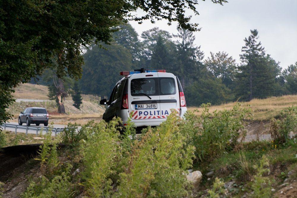 Imaginea polițistului român: cu Logan și Shaorma!