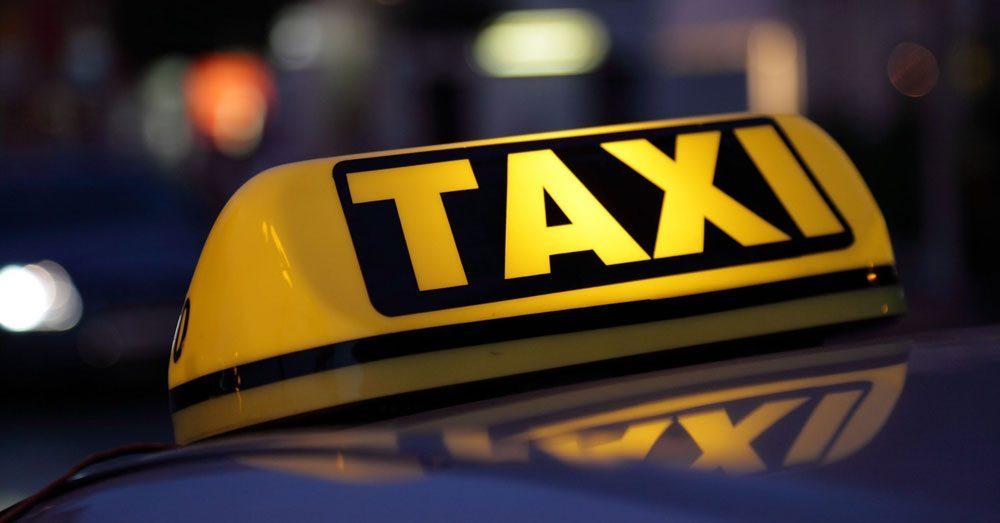 Taximetriștii să fie obligați la cursuri de conducere preventivă?
