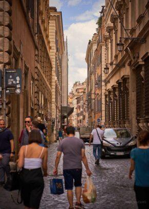 oameni strada roma