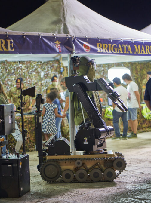robot armata brinidisi